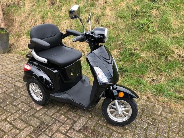 Ongekend Elektrische scooters / fietsen: uniek geen rijewijs nodig 3 wieler PA-99